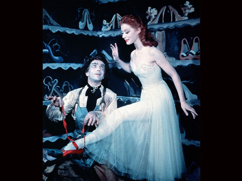 SurLaLune Fairy Tales: Illustrations of Red Shoes