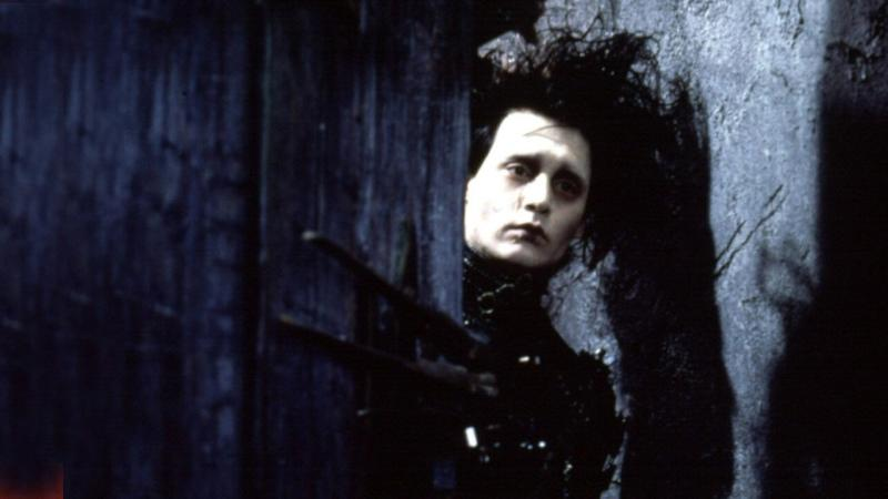 a review of edward scissorhands by tim burton Edward scissorhands is a 1990 american romantic dark fantasy film directed by tim burton, produced by denise di novi and tim burton, and written by caroline thompson from a story by tim burton and caroline thompson, starring johnny depp as an artificial man named edward, an unfinished creation who has scissor blades instead of hands.